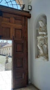 sculture gesso certosa di padula
